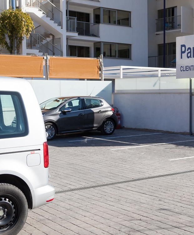 Parking Hotel Los Geranios