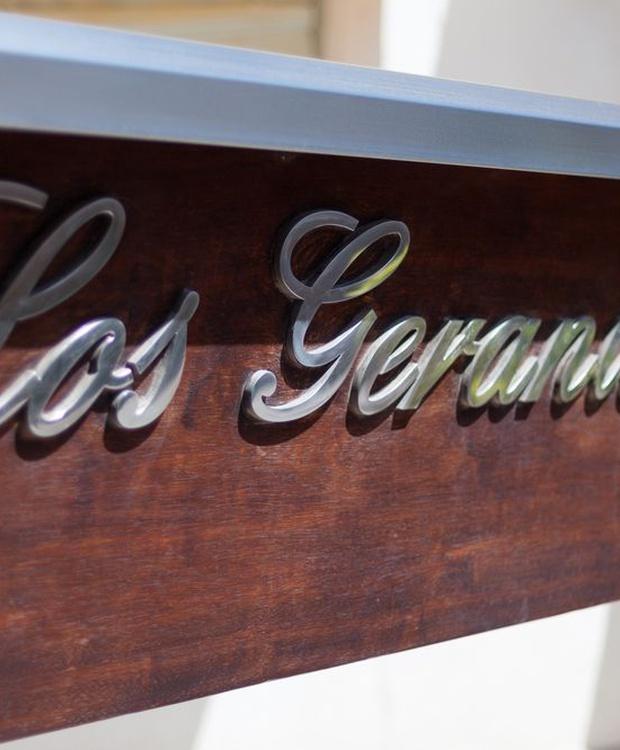 Eingang Hotel Los Geranios